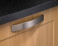 Brushed Steel Effect Thick Strap D Handle - D Handles - Handles - Kitchen Collection - Howdens Joinery