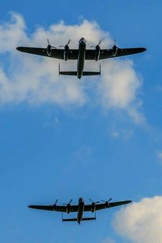 Lancasters, 1 British, 1 Canadian - only 2 in the world in flying condition. I read the article in a magazine recently. Air Force Aircraft, Ww2 Aircraft, Military Jets, Military Aircraft, Military Flights, Aircraft Propeller, Lancaster Bomber, Canadian History, Ww2 Planes