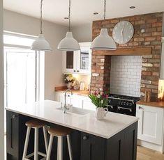 Beautiful kitchen by Jess @thehoppyhome
