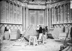 Soissons Stonecutters [Cartes postales Pierres-Info] Stone Sculpture, Abc Cinema, Steinmetz, Masonic Symbols, Artist And Craftsman, Stone Carving, Historical Photos, Fossils, Medieval