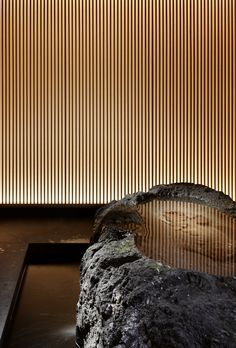 water is another medium that can be used to convey suggested texture Detail Architecture, Japanese Architecture, Interior Architecture, Chinese Interior, Japanese Interior, Modern Interior, Japanese Restaurant Design, Sauna Design, Zen Style