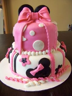 Minnie Mouse Cake By alacialoving on CakeCentral.com