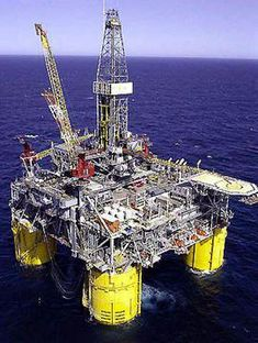 Offshore Oil Rig in the Gulf of Mexico, off the coast of Texas Oil Rig Jobs, Oilfield Trash, Oil Platform, Drilling Rig, Oil Industry, Gulf Of Mexico, Oil And Gas, Global Warming, Cool Places To Visit