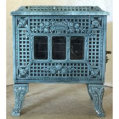 French Stove, Stove Heater, Stove Fireplace, French Antiques, Stoves, Restoration, Hunters, Wood, Fireplaces