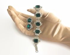 Crystal jewelry set, bracelet and clip on earrings, clear circular crystals and large emerald green square crystals, mid century by CardCurios on Etsy Rhinestone Jewelry, Vintage Rhinestone, Crystal Jewelry, Crystal Rhinestone, Vintage Jewellery, Diamond Shapes, Emerald Green, Clip On Earrings, Jewelry Sets