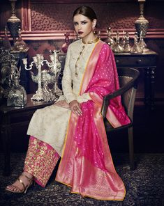 Buy Indo-Western & Designer Suits with Fusions of different styles of Indian Womens clothing like Salwar Kameez and Lehenga Suits. Silk Kurti Designs, Kurti Designs Party Wear, Blouse Designs, Sharara Designs, Indian Gowns Dresses, Pakistani Dresses, Anarkali Dress, Indian Attire, Indian Outfits