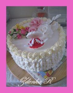 ** Dort krémový zdobený fondánovou kyticí ** Birthday Cake, Food, Birthday Cakes, Meal, Essen, Hoods, Meals, Cake Birthday, Eten