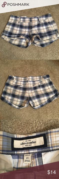 Plaid Abercrombie kids shorts size 14 Plaid Abercrombie kids shorts size 14. Used but have life left. Good condition. Cuffed shorts. Reasonable offers accepted😊 abercrombie kids Bottoms Shorts