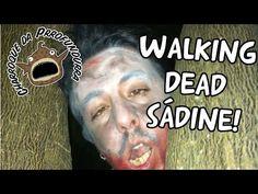 Walking Dead Sádino!  Os zombies é uma cena même párrva, morrtes vives que nã tão vives nem mórrtes. Andem devagárr mas apanhem toda gente, nunca fálha!