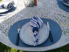 A arte de vestir a mesa com requinte e bom gosto, contate a Mesa Chic.