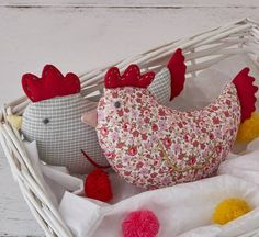Are you interested in our soft toy newborn gift twins ? With our chicken soft toy gift set you need look no further. Easter Toys, Newborn Gifts, Creative Business, Bean Bag Chair, Personalized Gifts, Unique Gifts, Throw Pillows, Chicken, Twins