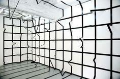 Необычные инсталляции из деревянных полос и блоков от итальянской художницы. (4 фото)