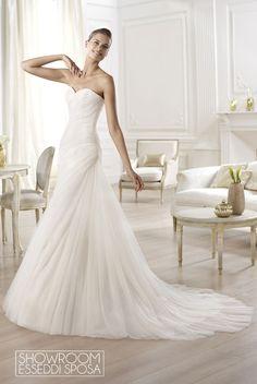 Collezione Abiti da sposa Pronovias. Disponibile presso Showroom Esseddi Sposa. Visita il sito: www.esseddisposa.it/
