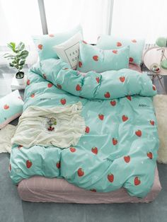 To find out about the Strawberry & Letter Print Sheet Set at SHEIN, part of our latest Bedding Sets ready to shop online today! Room Ideas Bedroom, Girls Bedroom, Bedroom Decor, Bedrooms, Cute Room Ideas, Cute Room Decor, Kawaii Room, Bed In A Bag, Aesthetic Room Decor