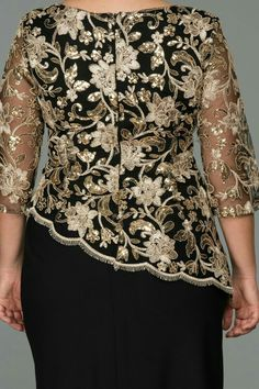 African Wear Dresses, Latest African Fashion Dresses, African Attire, Women's Fashion Dresses, Lace Dress Styles, Gold And Black Dress, Elegant Dresses, Beautiful Outfits, Plus Size Outfits