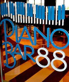 carnival breeze piano bar 88