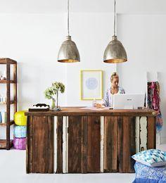 Counter with pallets