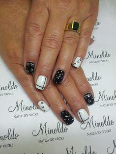 #nails #nailart #gelnails #handpainted #blackandwhite #minoldo