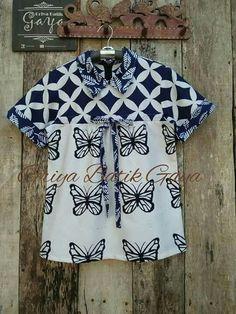 Batik Kebaya, Batik Dress, Kurti Neck Designs, Blouse Designs, Blouse Batik Modern, Baby Girl Tops, Batik Fashion, Western Outfits, Blouse Patterns