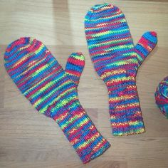 [Handschuhe] The Effective Pictures We Offer You About stricken strickmuster A quality picture can t Knitting Socks, Baby Knitting, Crochet Baby, Baby Mittens, Baby Blog, Kids Socks, Free Pattern, Knitting Patterns, Kindergarten
