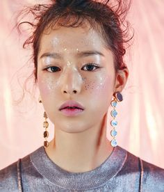 Portrait / Girl / Make up / Glitter / Gen Z / Generation Z peri Makeup Trends, Makeup Inspo, Makeup Inspiration, Beauty Makeup, Eye Makeup, Hair Makeup, Beauty Dish, Festival Make Up, Makeup Tumblr