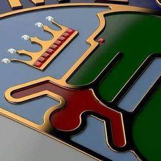 Historia y diseño en un logo. #AlfaRomeo