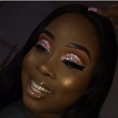full glam makeup looks black women videos / full glam makeup looks black women ; full glam makeup looks black women videos Glitter Makeup Looks, Prom Makeup Looks, Glam Makeup Look, Glamour Makeup, Black Girl Makeup, Pink Makeup, Girls Makeup, Pretty Makeup, Makeup Black Women
