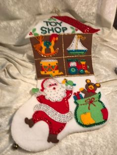 Vintage-Handmade-Bucilla-Santa-039-s-Toy-Shop-Felt-Applique-Christmas-Stocking