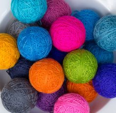 Complimentary Solids - ball Awesome for toes and heels when working stripey socks. This is such a cool idea, you mix and match what you like! Yarn Stash, Yarn Shop, Easter Eggs, Favorite Color, Fiber, Rainbow, Wool, Cool Stuff, Knitting