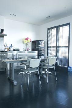 Beautiful bathroom with JASNO shutters via our dealer: Van Oort ...