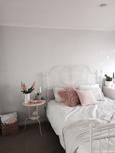 Best Cost-Free Bedroom ideas Strategies There is nothing Greater when compared to a ingenious IKEA Crack of used place, and it is a great Ikea Bedroom, Home Decor Bedroom, Bedroom Ideas, Kitchen Ikea, Trendy Bedroom, Room Inspiration, Decoration, Shiplap Bathroom, Bathroom Remodeling