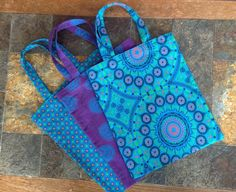 Absolutely stunning mini shweshwe tote bags made and shared by one of our followers.  #dagamatextiles #shweshwe #fabric #totebag #textiles