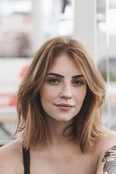 Choppy and Wavy Lob - 60 Inspiring Long Bob Hairstyles and Long Bob Haircuts for 2019 - The Trending Hairstyle Short Hair Styles Easy, Cute Hairstyles For Short Hair, Trendy Hairstyles, Short Hair Cuts, Medium Hair Styles, Straight Hairstyles, Choppy Hairstyles, Short Hair Styles For Round Faces, Short Hair For Round Face