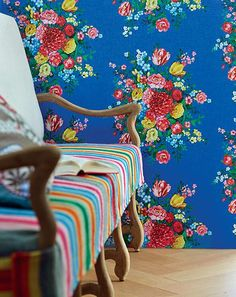 We've got thousands of wallpaper patterns to choose from. Whether you're looking for a bright feature wall, or a classic stripe, we have a wallpaper design for you Dark Blue Wallpaper, Blue Wallpapers, Of Wallpaper, Designer Wallpaper, Pip Studio, Deco Boheme, Dutch Painters, Paint Effects, Decoration