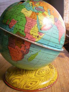 Oh how I need a globe! Love Vintage, Vintage Globe, Vintage Maps, Antique Maps, Old Globe, Globe Art, Globe Decor, World Globe Map, World Decor