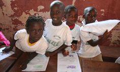 Schule in Bissau, der Hauptstadt von Guinea Bissau. Die Kinder, die hier lernen, werden durch Patenschaften gefördert. Weitere Informationen zum Patenschaftsprogramm von ora international finden Sie unter http://www.patenherz.de
