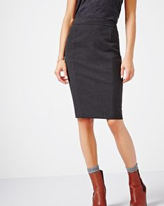 """This heather pencil skirt makes getting dressed for work easy. Wear yours with a peplum top for a pretty dress effect.<br /><br />- Body length: 22.5""""<br />- Fully lined<br />- Back zipper<br />- Back vent<br />- Our model wears a US 4 and is 173cm/5'8"""" tall"""