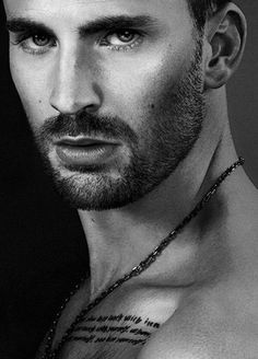 Read Chris Evans from the story Celebrity Oneshots by (Gianna Paisley) with reads. Chris Evans jealousy Hope you. Capitan America Chris Evans, Chris Evans Captain America, Robert Evans, Beautiful Men Faces, Gorgeous Men, Beautiful People, Logan Lerman, Amanda Seyfried, Portraits
