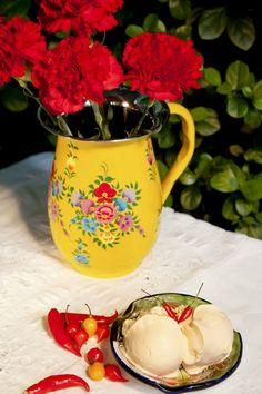 Pimenta e favas de baunilha são alguns dos itens utilizados para compor as receitas.
