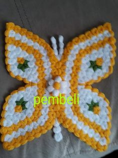 This Pin was discovered by HUZ Crochet Butterfly, Crochet Birds, Crochet Animals, Crochet Flowers, Crochet Mat, Crochet Shell Stitch, Crochet Stitches, Knitting Patterns, Crochet Patterns