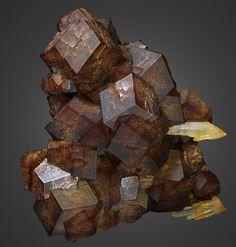 Andradite, Quartz and Hedenbergite - Avessalos, Serifos Island, Greece / Mineral Friends <3