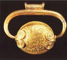 Pendaglio da VulciVII secolo a.C. Monaco, Antikensammlungen.