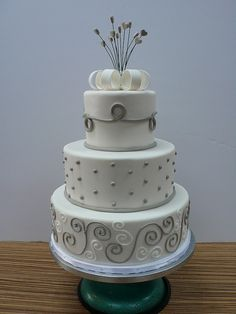 Chic Modern wedding Cake white and grey by CAKE Amsterdam - Cakes by ZOBOT, via Flickr