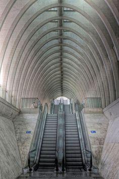 Guillemins Station, Liége, architect Santiago Calatrava, photo by Bart Ceuppens