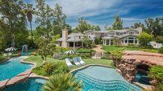Vista desde el jardín de la lujosa casa a la que se mudó Angelina Jolie con sus seis hijos - Proporcionado por THX Medios S.A.