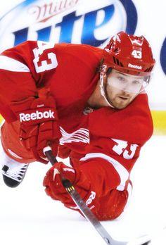 Darren Helm • Detroit Red Wings