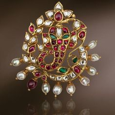 Uncut and pearls Ganesh pendent