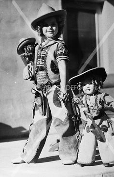 11x14 photo six shootin cowgirl Shirley Temple and look-a-like doll is173-08