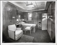 Normandie, Outside Single Stateroom interchangeable cl., April of the City of New York - St. Vincent's Hospital, New York Sea Queen, Queen Mary, Ss Normandie, Cabin Interiors, Deco Interiors, Art Deco Hotel, 20th Century Women, Interior Architecture, Interior Design
