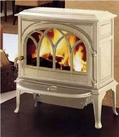 Wood Heat sells the Jøtul Castine, plus wood burning stoves from other top manufacturers. Best Wood Burning Stove, Stove Heater, Wood Stove Cooking, Vintage Stoves, Stove Fireplace, White Fireplace, Fireplace Inserts, Wood Burner, White Wood